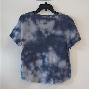 Cut out short sleeve tie dye top